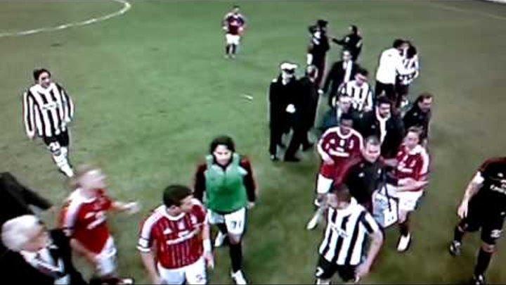 Milan-Juve 1-1 Rissa Incandescente Ambrosini vs Chiellini [Fischio Finale] 25-02-2012