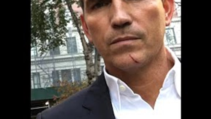Person of Interest BTS Jim Caviezel speaking Russian for a fan, 5x11
