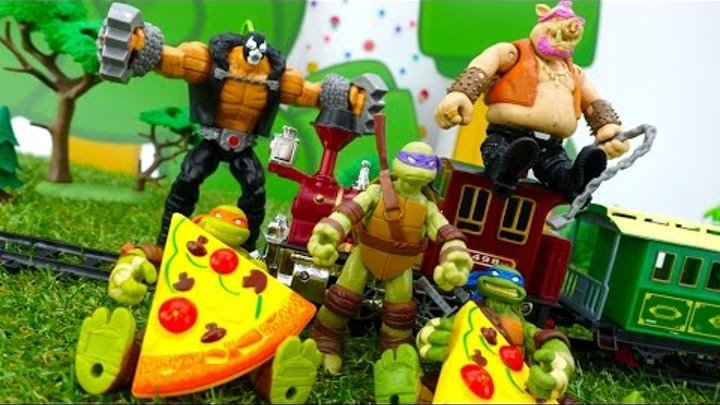 ЧЕРЕПАШКИ НИНДЗЯ спасают поезд от грабителей! Мультик с игрушками для детей