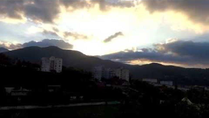 Встречаем рассвет. Погода в Лазаревском 2 октября t +15°C, вода t +22°С, SOCHI - RUSSIA