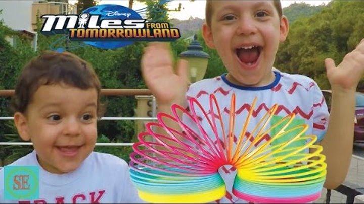 Радуга Пружинка Челлендж Игрушки Майлз с другой планеты Slinky Toys Miles from tomorrowland Cartoon