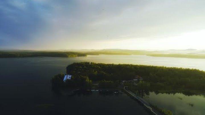 Дом у озера. The Lake House.
