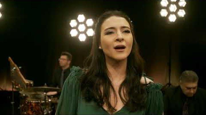 İncesaz - Fotoroman [ Official Music Video © 2017 Kalan Müzik ]