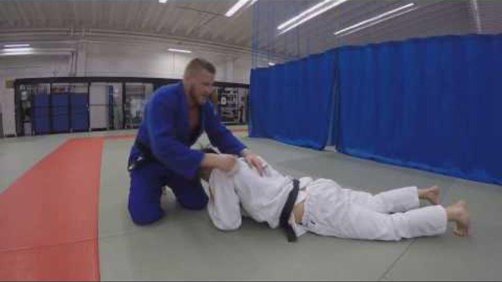 дзюдо. удушающий треугольник. Triangle choke. Sankaku jime. Judo choke.