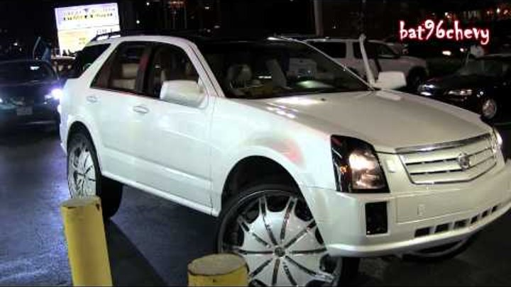 Pearl White Cadillac SRX Truck on Rockstarrs 30's in Parking Lot - 1080p HD