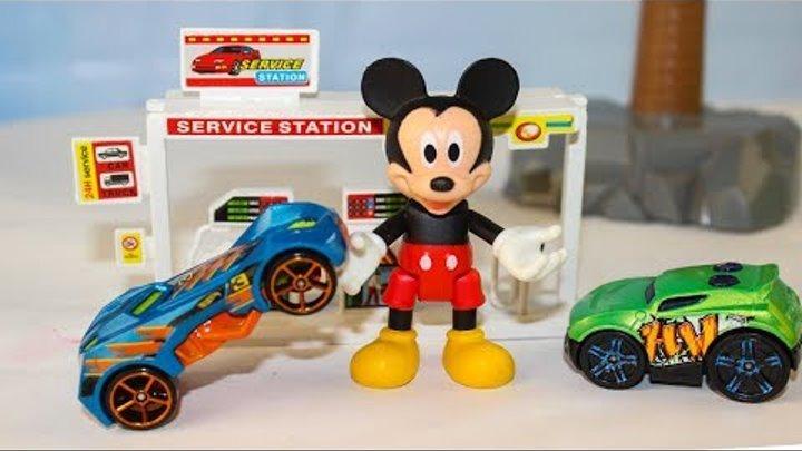 Мультики про машинки Супер машинки на заправке Микки Маус Игрушки для детей Учим цвета мультфильмы