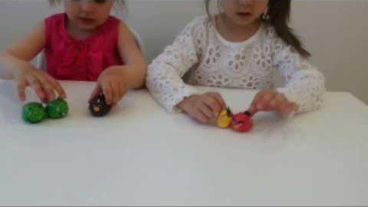 KatLiz. Катя и Лиза открывают набор Angry Birds