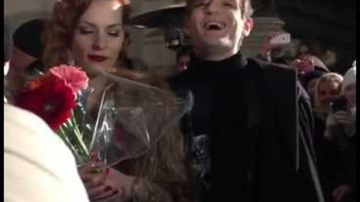 """Мэрилин Керро и Александр Шепс целуются после финала семнадцатой """"Битвы экстрасенсов"""""""