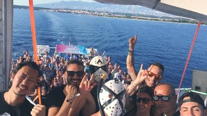 Art Of Fighters & The Stunned Guys boat party - Hard Island 2016