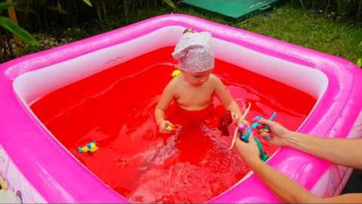 🔥 Кровавый бассейн, сказка Русалочка Ариель, рыбка Флаундер краб Себастьян. Красная вода в басейне.
