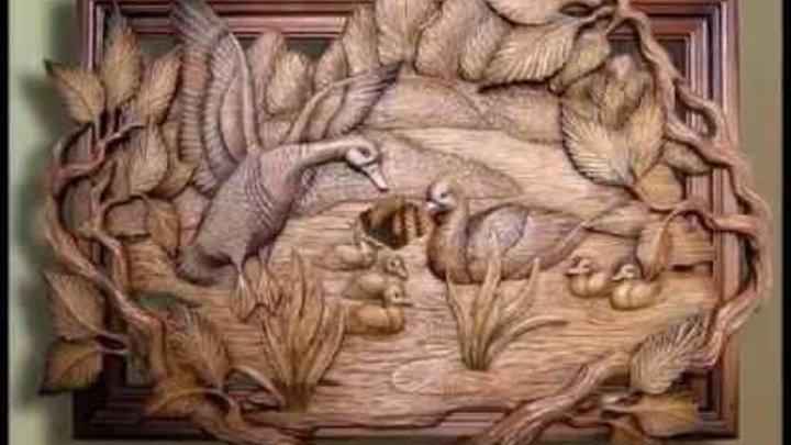 Картины из дерева в декоре дома. Резьба по дереву фото
