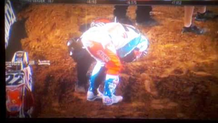 Chad Reed HUGE/horrible crash in Main Event - Dallas Texas Supercross 2012