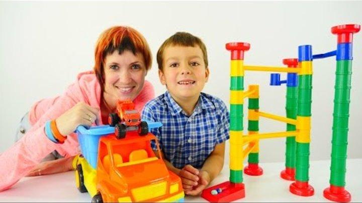Игры для детей: Маша и конструктор Bauer серии «Веселые горки» от 3 лет. Вспыш помогает