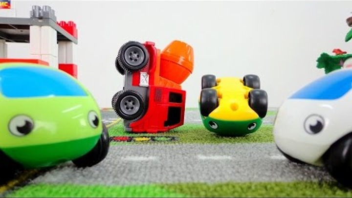 Машинки для детей. Развивающие мультфильмы: учим цвета. Машинка меняет жизнь через цвет.
