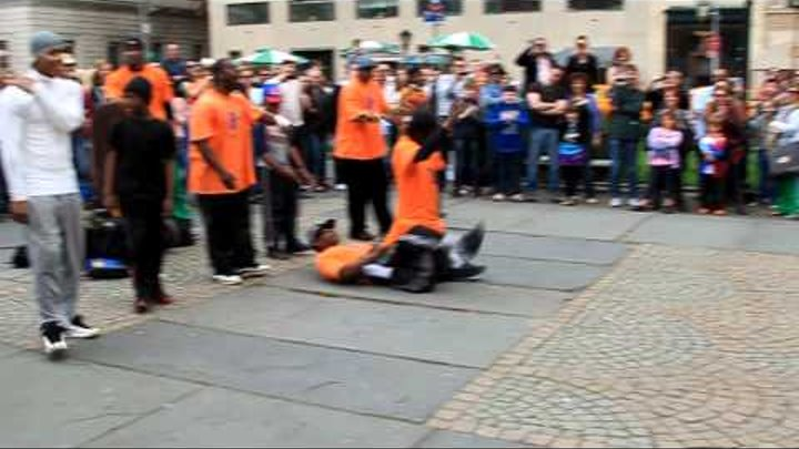 Уличные танцы на 5ой Авеню