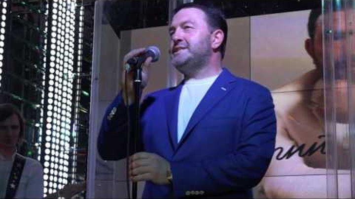 "Певец Дмитрий Макаров, караоке-клубе ""Дорфман"", 16 июня 2016 г."
