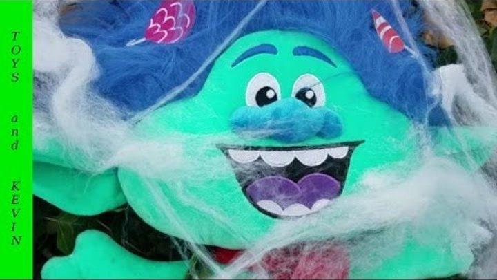 Спасаем троллей Розочку и Цветана Детские игры и видео для детей про игрушки тролли Тролли 2016