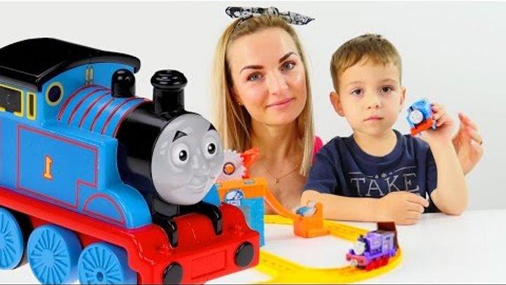 Железная дорога. Паровозик Томас. Игрушки для детей. Видео для детей