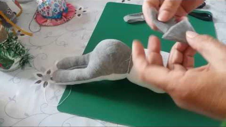 Мягкие игрушки , своими руками,зайчик из носка ч 1