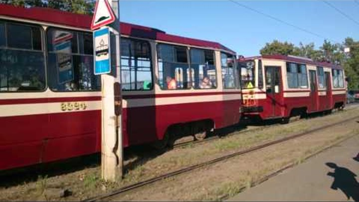 Трамвай 52 странная постановка вагонов