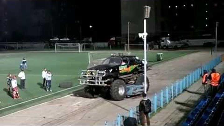 "Monster Truck Экстрим Шоу Каскадеров. Ульяновск, стадион ""Старт"" (01.10.2014)"