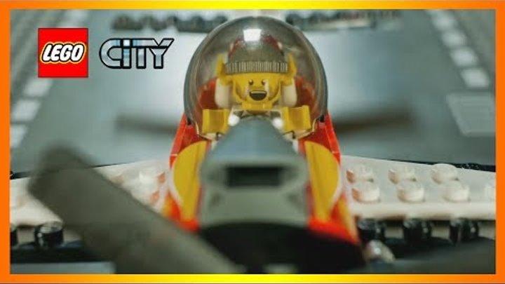 Конструктор Лего Сити Аэропорт - полет неудачливых грабителей (Lego City)