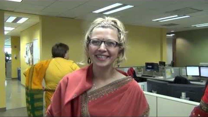 США 821-1: Как на празднике Дивали девки сари надевали. Индийский праздник Света.