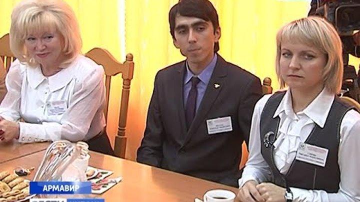 Лучшему учителю России подарили квартиру