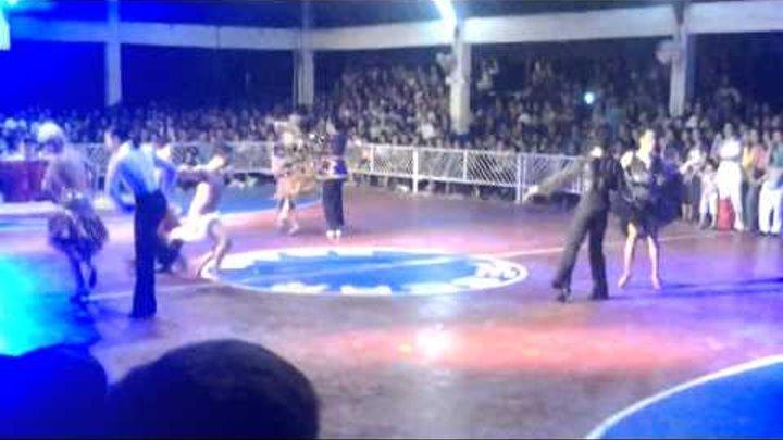 WTF ??? Бальные танцы!