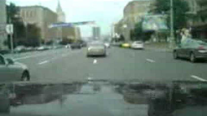 Как ездят по Москве