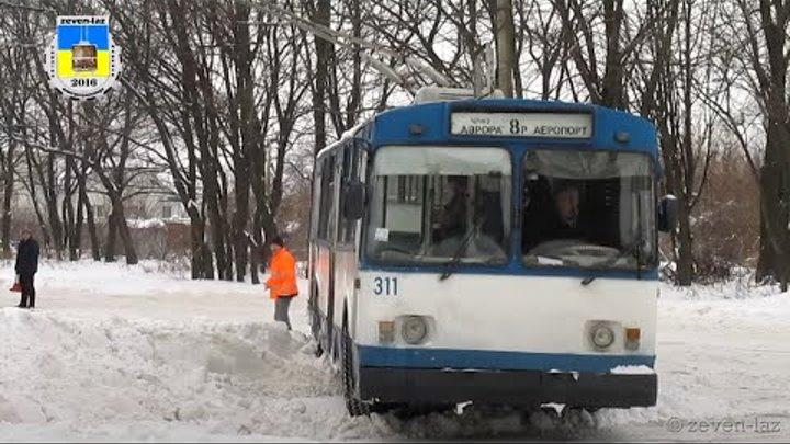 Черкасский троллейбус- Снежный плен 2 09.01.2016