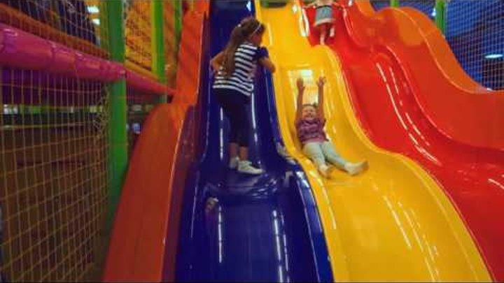 Детский игровой комплекс, бассейн с шариками, лабиринт, горки, карусели, батут