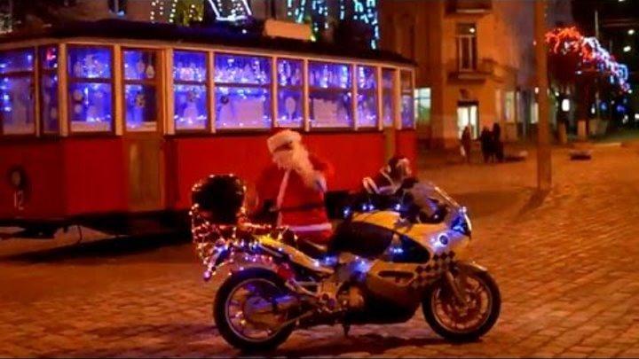 Собака байкер Стич поздравляет всех с Новым Годом ))))