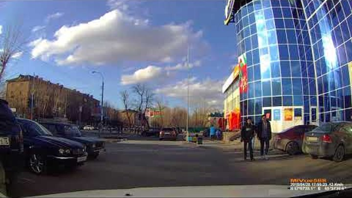 ДТП 28 апреля 2018 Тюмень смотреть с 1:30 ТЦ Континент мотоцикл/автомобиль