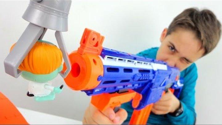 Супер пушка Нерф! Ружье - пистолет против зомби! Игры для детей. ИгроБой Артем!