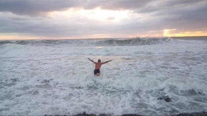Чёрное море. Шторм в Анапе 2016г.Купание запрещено.Я закрываю купальный сезон-октябрь 2016.