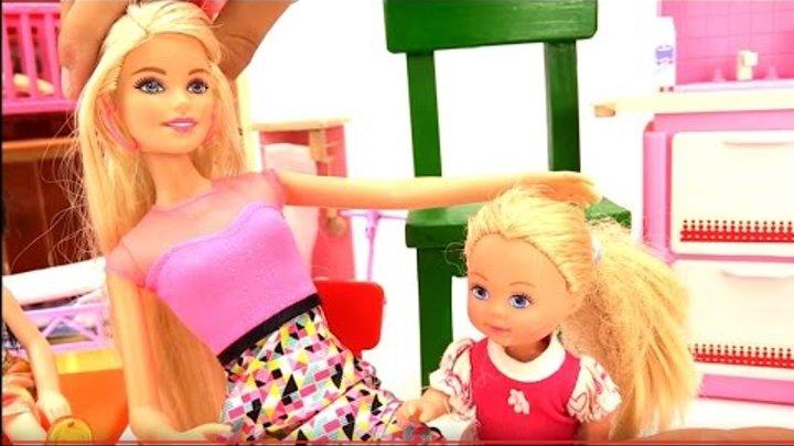 Кукла Барби и ее дочки. Подружка Саша (Игрушки подружки) и видео с куклами для девочек.