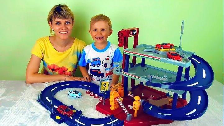 Носики Курносики • Машинки с треком и гаражом Весёлое видео для детей с машинками