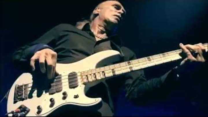 The Winery Dogs - Billy Sheehan's Bass Solo on Unleashed in Japan 2013