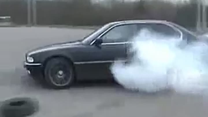 BMW 740i cool burnout in Lithuania