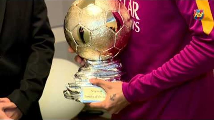 Neymar receives Samba D'Or 2015 Award
