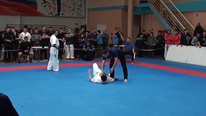 Нокаут года 2013, knockout of the 2013 Shinkyokushinkai karate