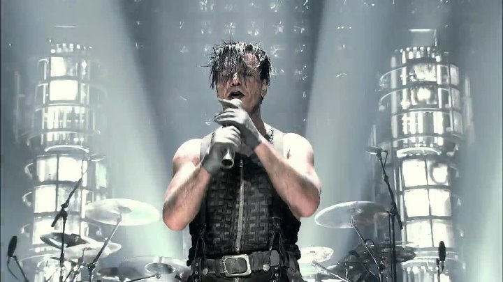 RAMMSTEIN - Du Hast (Live From MSG 2010)