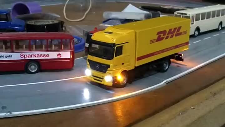 FALLER CAR SYSTEM TRUCK MB DHL DCC 1-87 Scale