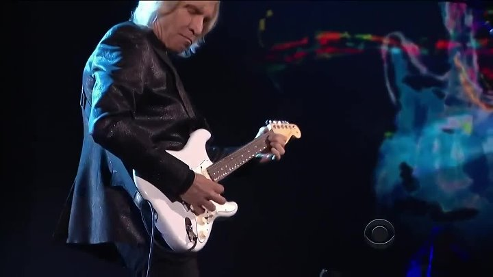 18. Gary Clark Jr., Joe Walsh and Dave Grohl - While My Guitar Gently Weeps (720p) (via Skyload)