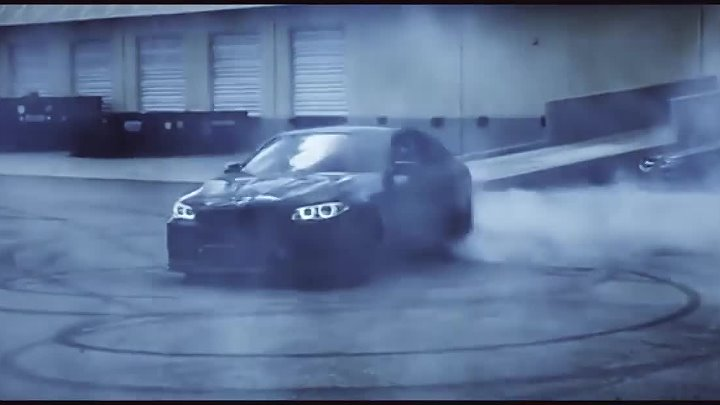 BMW M5 F10 Monster Sounds & Donuts