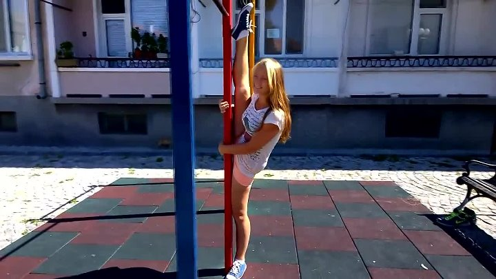 BEST OF STREET WORKOUT AND CALISTHENICS GIRLS