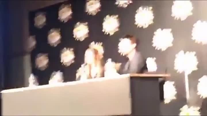 Alycia Debnam-Carey || Comic-Con Copenhagen || «Alycias Permission For The Selfie»