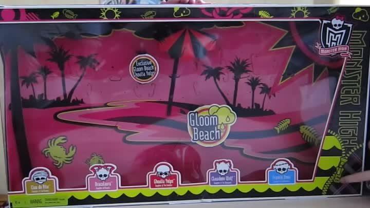 Monster High Gloom Beach Set with Exclusive Ghoulia Yelps Box Обзор на русском