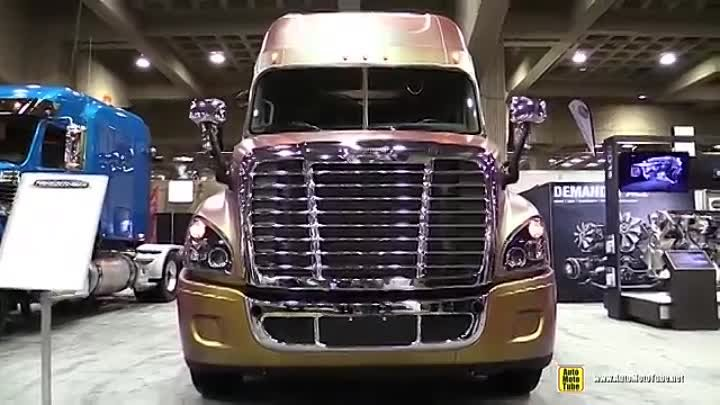 2015 Freightliner Cascadia Evolution Truck with Detroit DD15 14.8L 455hp Engine - Walkaround